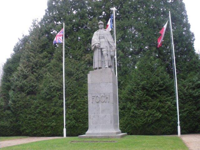 【8】フェルディナン・フォッシュの像(WW1休戦条約時の仏側代表団の1人)