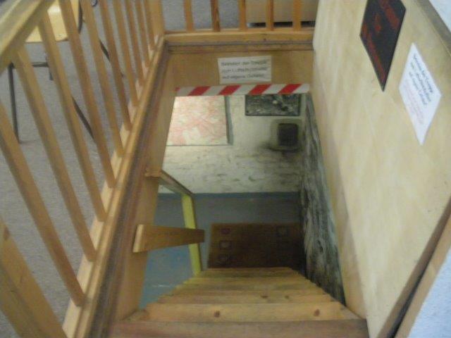 【14】地下へ行く階段