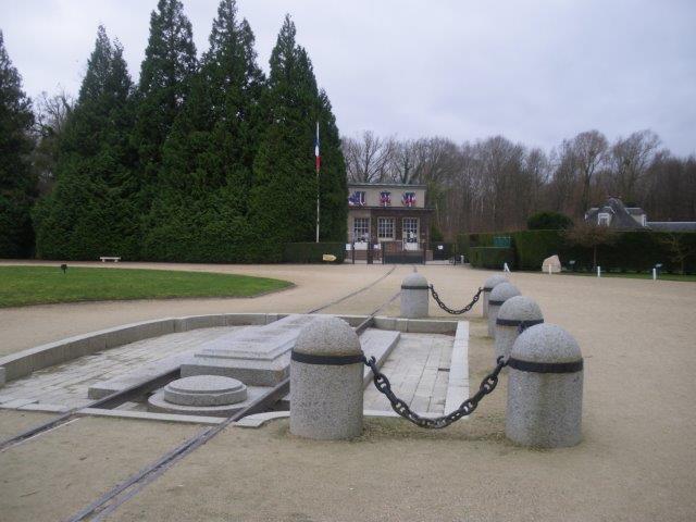 【5】記念館と食堂車が置かれていたレール