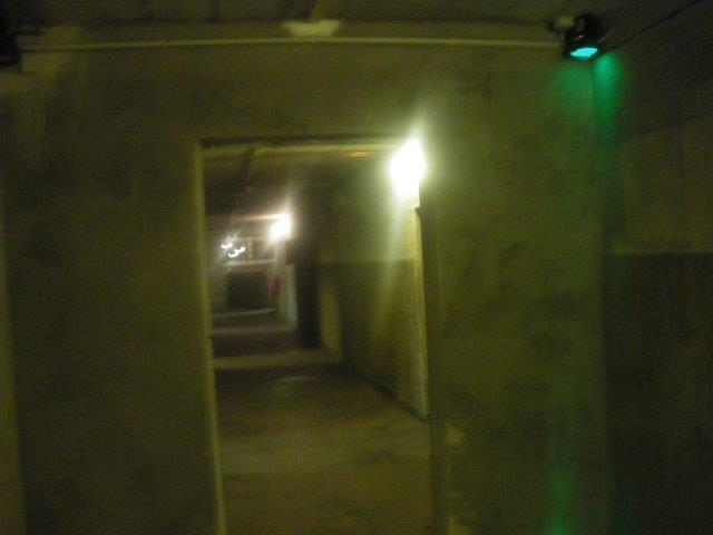 【7】ブンカーの内部の不気味な廊下