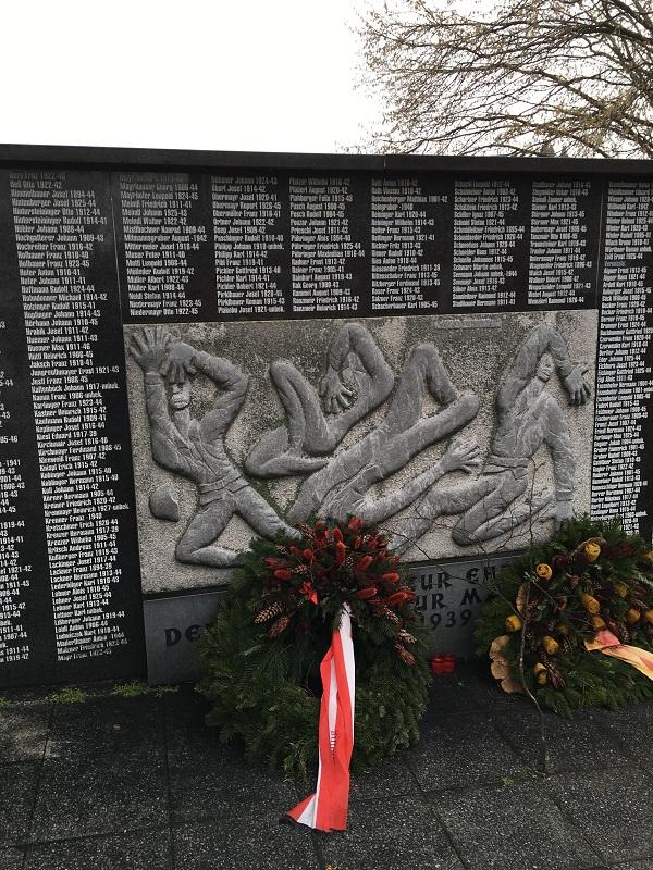 14第2次世界大戦の石碑