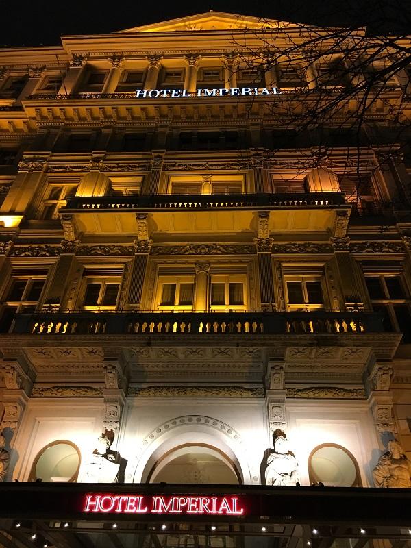 32 ホテル・インペリアル