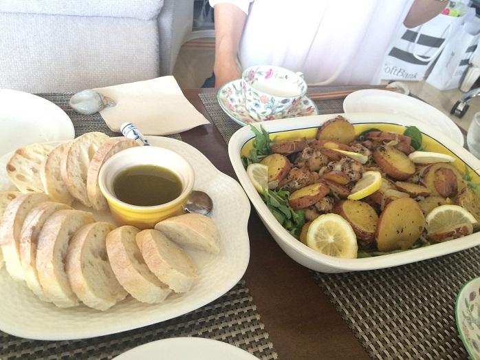 チキンとハーブで作ったおもてなし料理