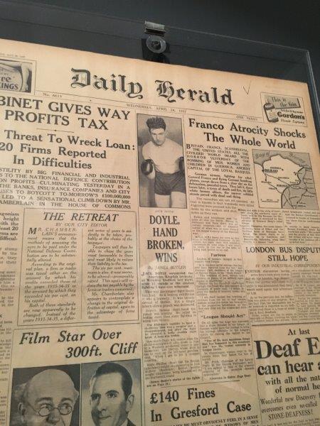 【7】1937年4月のゲルニカ爆撃を伝える英字新聞