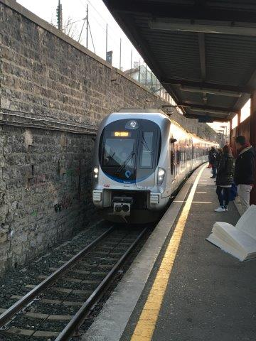 【8】入線するバスク鉄道