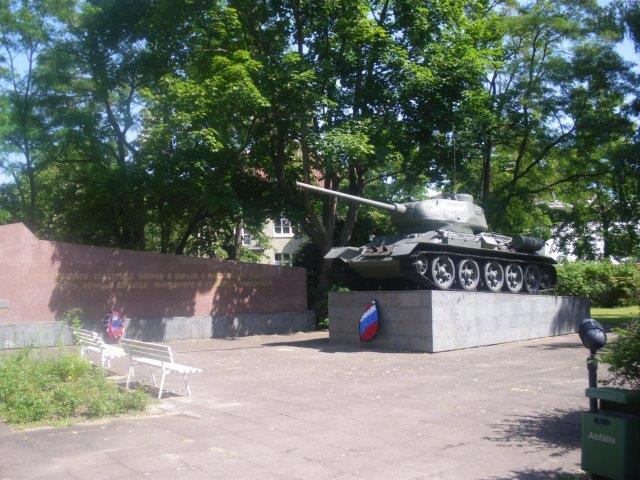 【3】博物館の庭になるソ連の戦車