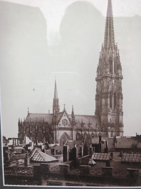空襲を受ける前の聖ニコライ教会