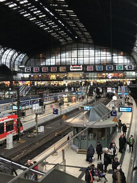 空襲で甚大な被害を受けたハンブルク中央駅