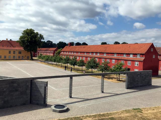 カステレット要塞の兵舎跡