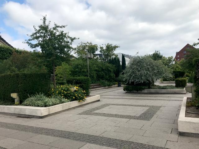 アメリエンボー宮殿の前の公園は、マースクラインが自社の土地を寄付した