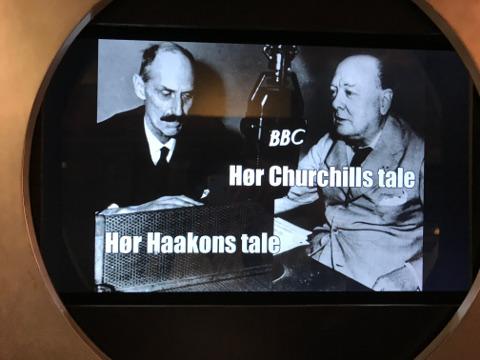 ロンドンからBBC放送を通じて、ノルウェー本国に呼びかけるホーコン七世とチャーチル