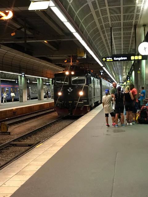ストックホルム駅に入線するノールランストーグ鉄道