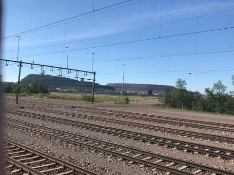 キールナの鉱山も車窓から見ることができる