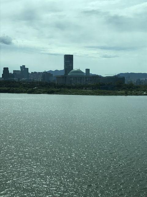 ソウルの発展に貢献した東西に流れる漢江(ハンガン)