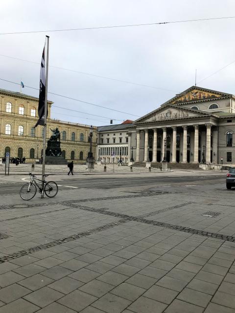 ヴィッテルスバッハ家の居住のレジデンツとバイエルン州立歌劇場