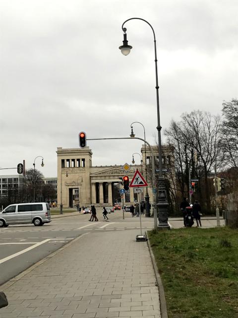 ケーニヒス広場