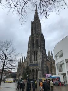 ロンメルの国葬が行われたウルム。世界一の尖塔がある大聖堂は街の象徴