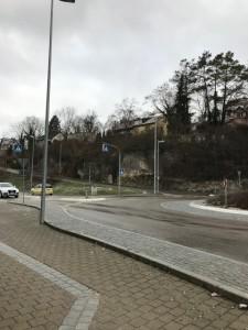 ヘルリンゲン駅前。坂がエルウィン・ロンメル通り