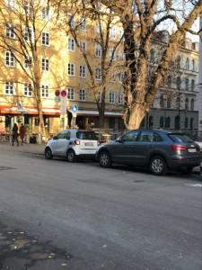 エルザーの家の前の広場は、ゲオルク・エルザー広場