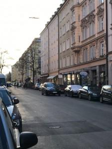 ゲオルク・エルザー広場から見た、ヒトラーとエヴァが待ち合わせしていた交差点