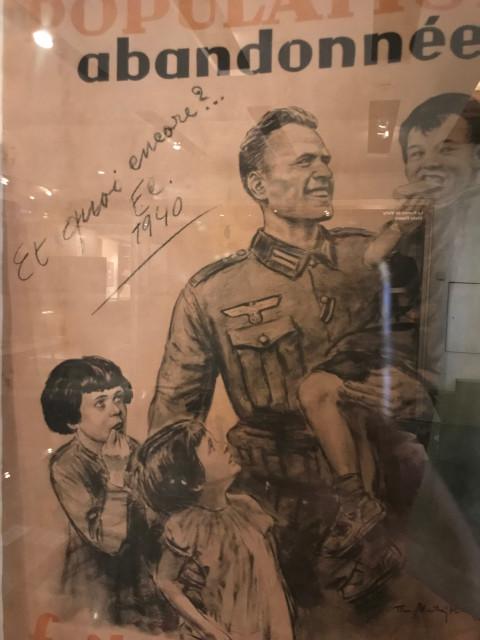 フランス人の子供を抱くドイツ軍兵士の姿