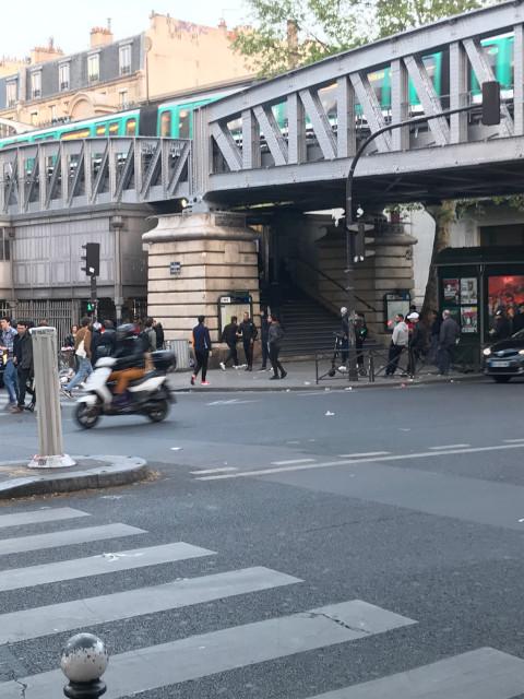 バベロス・ロシュシュアール駅前の様子