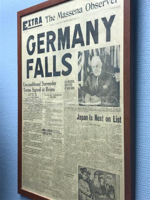 ドイツが降伏したことを伝える新聞