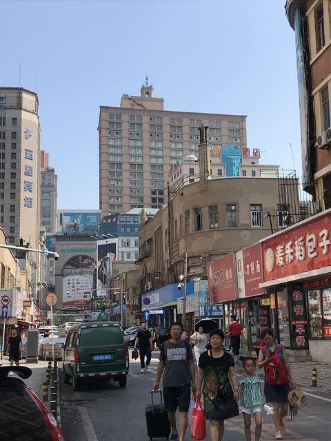 大連駅周辺の日本人街。満鉄駅周辺は日本の治外法権地域だった