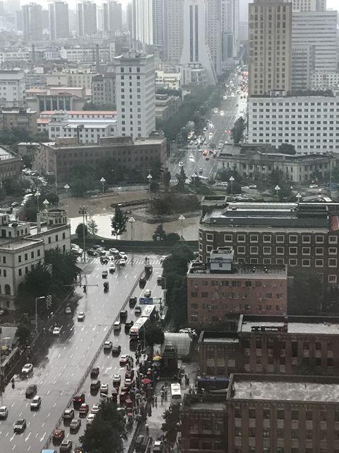 現在の瀋陽の街並み。満鉄付属地だった中山広場