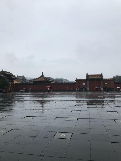 張氏帥府博物館の隣にある瀋陽故宮博物院