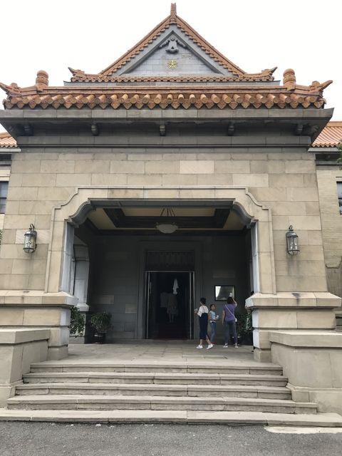 同徳殿の入口