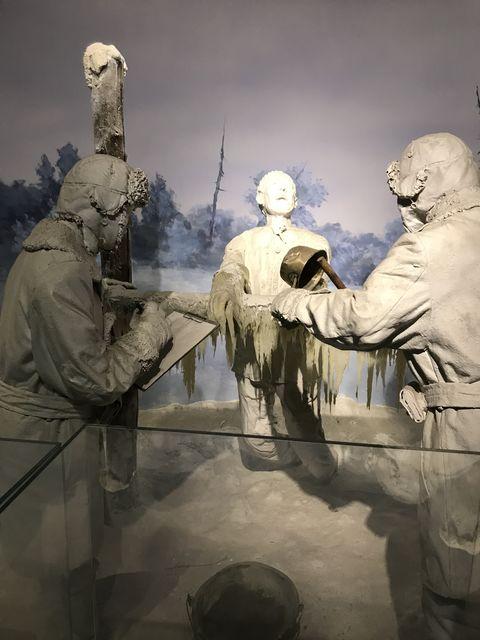 ソ連とのシベリアでの戦争に備えて、凍傷治療の人体実験