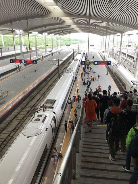 中国の旅行は、路線が全国に網羅され格安の新幹線が便利