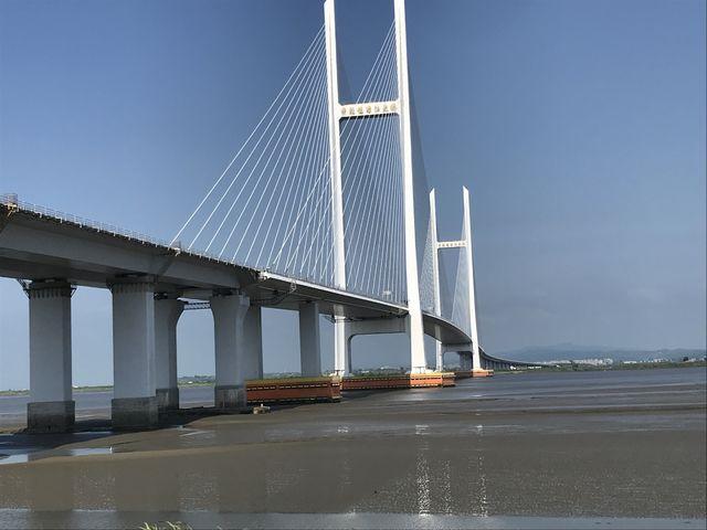 丹東新区から伸びる新鴨緑江大橋